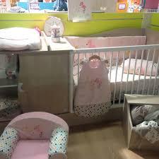 autour de bebe chambre bebe le nouveau lit transformable manille de bébé lune avec le thème de