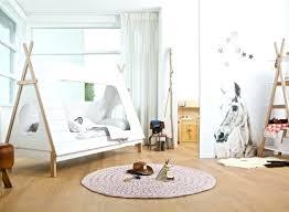 cabane de chambre chambre cabane enfant lit cabane chambre enfant aventuredeco