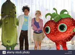 2013 cloudy with a chance of meatballs 2 movie wallpapers cloudy with a chance of meatballs 2 actors anna faris u0026 will forte