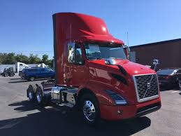 2018 volvo semi truck new 2018 volvo vnr64t300 tandem axle daycab for sale 503224