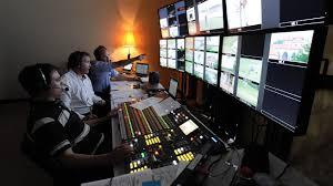 Radio Broadcasting Programs Print Vs Broadcast Journalism Understanding The Differences