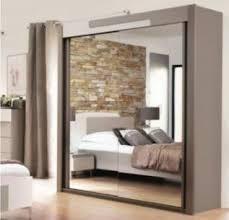 comment disposer les meubles dans une chambre bien aménager sa chambre à coucher 5 astuces par votre magasin de