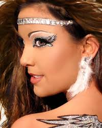 halloween eye makeup ideas with the silvery and angelic