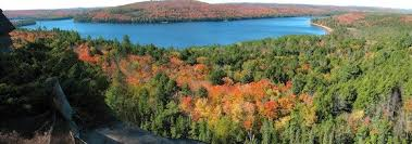5 places fall colours ontario pleasantville