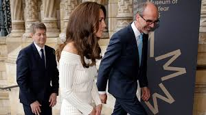 kate middleton attends natural history museum gala