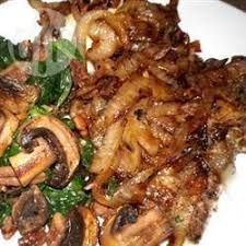cuisiner le foie de veau foie de veau aux oignons caramélisés qc allrecipes ca cooking
