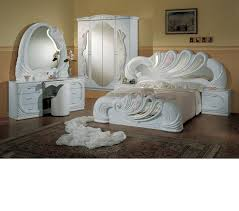 Italian Bedroom Sets Dreamfurniture Com Vanity White Italian Classic Bedroom Set
