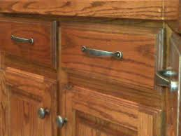 Pulls And Knobs For Kitchen Cabinets Kitchen Cabinet Door Knobs And Handles Cabinet Door Knobs