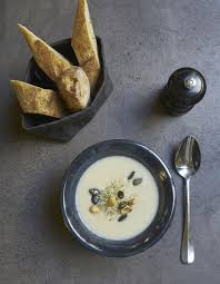 cuisine panais soupe blanche chou fleur céleri et panais pour 4 personnes