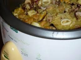 cuisiner avec un rice cooker riz safrané aux fruits de mer avec le rice cooker recette ptitchef