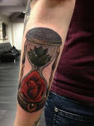 85 best hourglass tattoo designs and meanings time is flying 2018