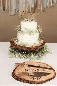 tree stump cake stand rustic wedding cake with tree stump and baby breath dj