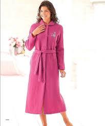robe de chambre d馭inition robe de chambre femme longue zippee blanche porte robe de chambre