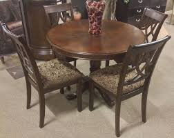 Round Cherry Kitchen Table by 58 Best Traditional Classic Images On Pinterest Upholstery