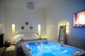spa dans la chambre l escapade romantique chambre avec spa privatif au nord