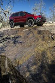 jeep cherokee ads jeep cherokee updated for 2018 with new safety tech and more