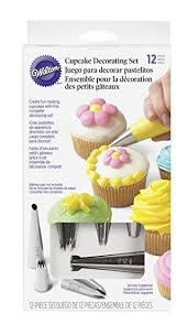 amazon com wilton 2104 6667 12 piece cupcake decorating set
