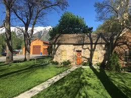 restored historic pioneer rock vacation cot vrbo