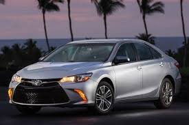 toyota camry reliability 2015 toyota camry vs 2015 honda accord which is better autotrader