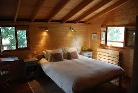chambre d hote cabane dans les arbres cabane dans les arbres perché dans le perche