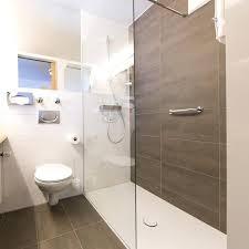 kleine badezimmer beispiele kleines bad renovieren ideen marcusredden