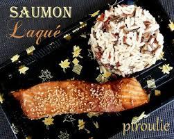 cuisiner pavé de saumon poele pavés de saumon laqués à la sauce soja au miel et au sésame