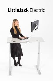 Stand Up Sit Down Desks by Best 25 Electric Standing Desk Ideas On Pinterest Adjustable