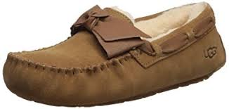 ugg slipper sale dakota amazon com ugg australia s dakota leather bow slipper