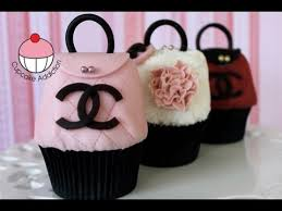 purse cupcakes how to make chanel handbag cupcakes by cupcake