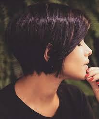 haircuts that show your ears 10 stylish short bob haircuts that balance your face shape