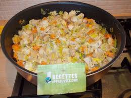 cuisiner poireaux poele fondue de poireaux carotte et pommes de terre