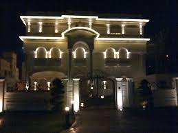 led lights for outside house and led rope outline the roof line of