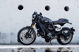 2017 ducati scrambler cafe racer first look 10 fast facts