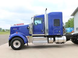 w900 used 2014 kenworth w900 tandem axle sleeper for sale in mi 1067