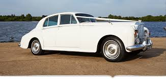 bentley limo looking to hire a limo in london or essex choose la stretch limos