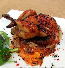 cuisiner les cailles cailles rôties au four marinade au miel épices tandoori et graines