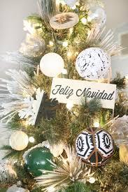 black white modern snowflake tree decor