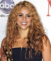 what color is shakira s hair 2015 shakira natural hair color hair colors idea in 2017