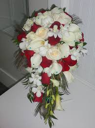 Cascading Bouquet Cascading Bouquet With Red Roses Cream Roses White Mini Calla
