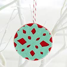 diy felt snowflake ornaments do it your self