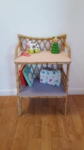 meubles en rotin petit meuble en rotin vintage relooké pastel meubles et