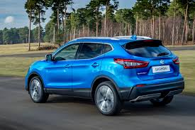 cheap nissan cars 2017 nissan qashqai on sale now priced from 19 295 autocar