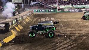 grave digger monster truck 30th anniversary monster jam world finals xviii grave digger 35th anniversary