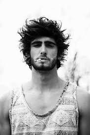 surfer haircut surfer hair for men 50 beach inspired men s hairstyles