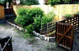 fence ideas for small backyard wood pallet backyard ideas small fence ideas pallet fence ideas
