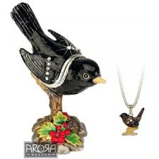 small blackbird ornament with pendant from ruddick garden gifts