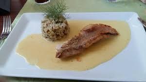 cuisine au safran filet de dorade sébaste cœur d artichaut poêlé sauce crémeuse au