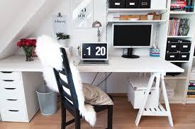 Weisser Schreibtisch Diy Unser Neuer Schreibtisch Kleidermaedchen Fashion Beauty