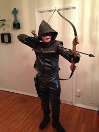 bow and arrow halloween costume ready to hood up for dallas comic con and the season finale