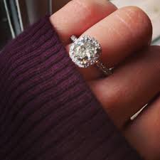how to buy great diamond engagement rings impressive engagement ring buy brilliant